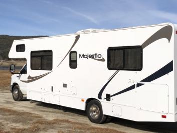 2013 Thor Majestic 28' Family Adven