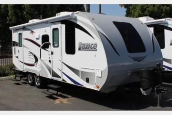 Beautiful high end mid travel trailer, ideal for a couple with kids