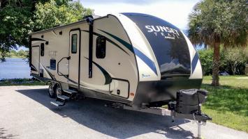 2018 New Sunset Trail Sleeps 5