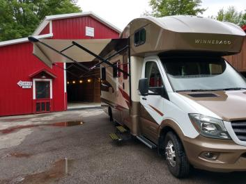 Great RV for a large family&friends
