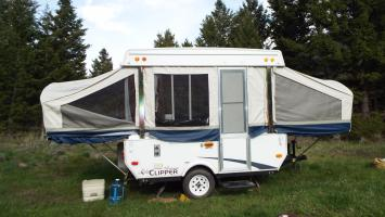Pop up tent camper