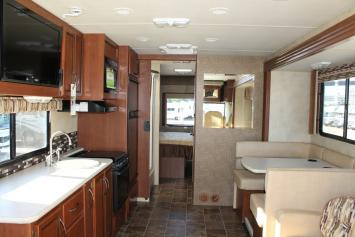Large family RV with sleeping capacity up to 8 - (Direct Tv Equipped)