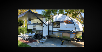 2021 Forest River RV Wildwood X-Lite 241BHXL > Beautiful new trailer!!