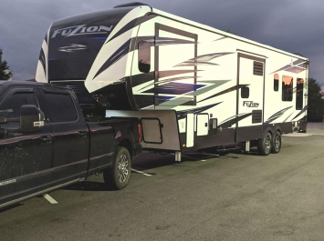 Fuzion 373 Toy Hauler 5th Wheel