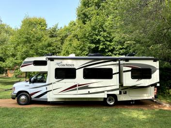 *WiFi* 2018 Coachmen / slides-2 / belts-9 / Drives Easy / CPAP ready