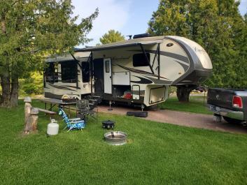 Luxury RV Rental 5th Wheel Delivered to Vail Lake KOA