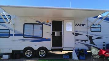 Rv Rental toyhauler Lake Havasu