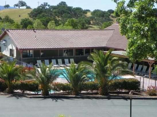 Clubhouse, pool, spa