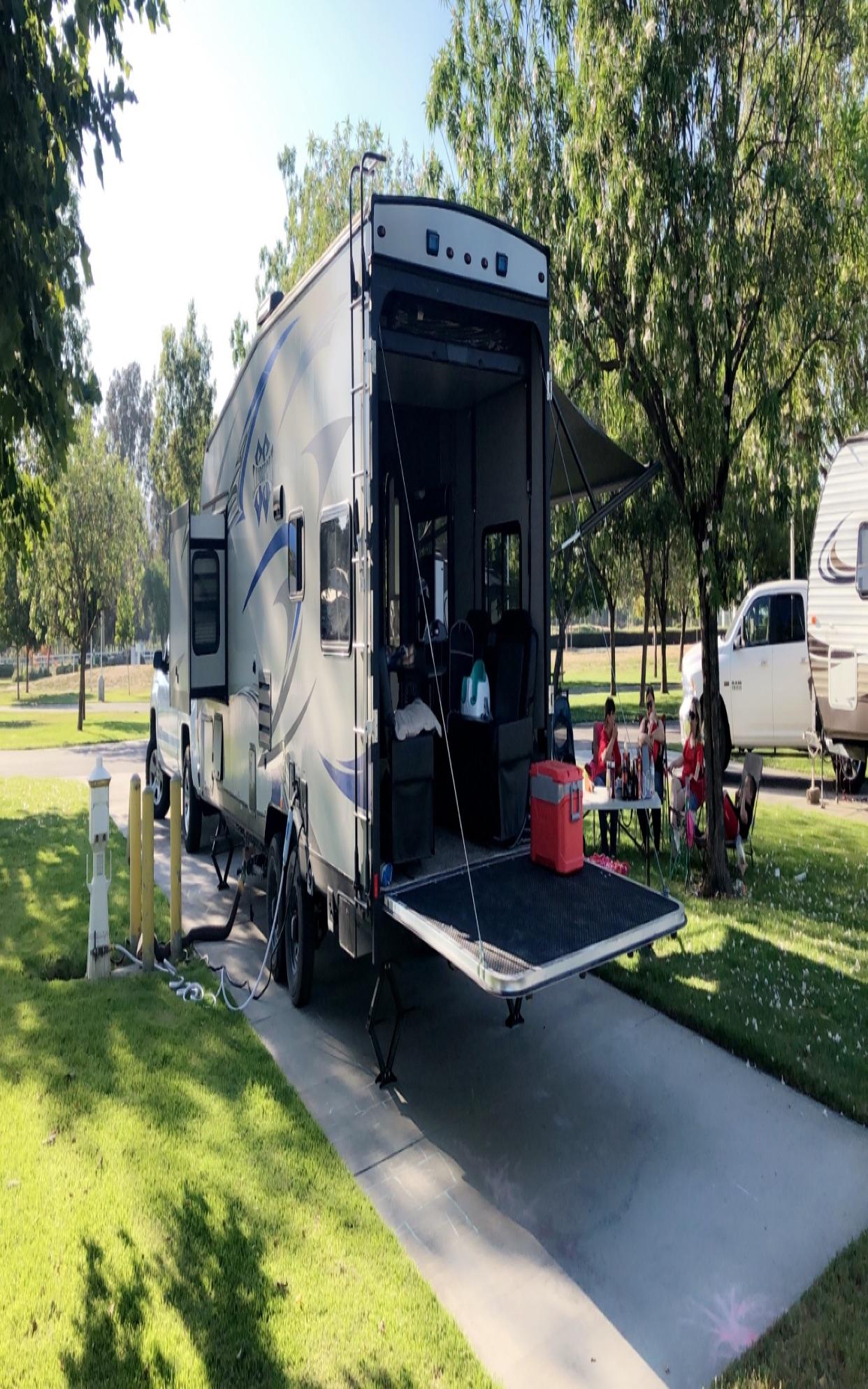 2019 - Pacific Coachworks - SandSport - Redlands
