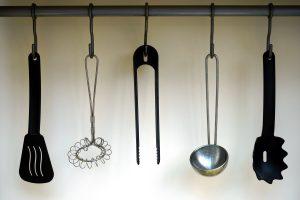 hanging rack for utensils